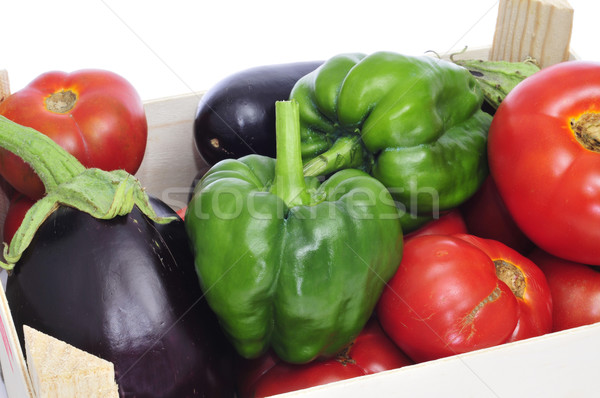 Skrzynia organiczny warzyw zielone papryka tle Zdjęcia stock © nito