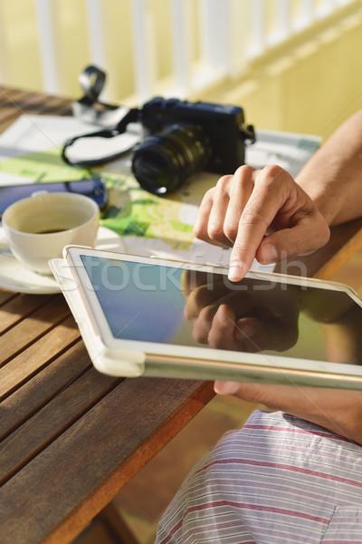 Jonge man pyjama tablet jonge kaukasisch Stockfoto © nito