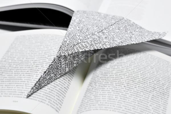 Papieru płaszczyzny otwarta księga wydrukowane Zdjęcia stock © nito