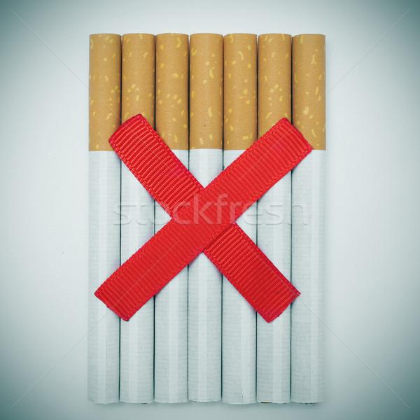 Sigara iki kırmızı dünya Stok fotoğraf © nito