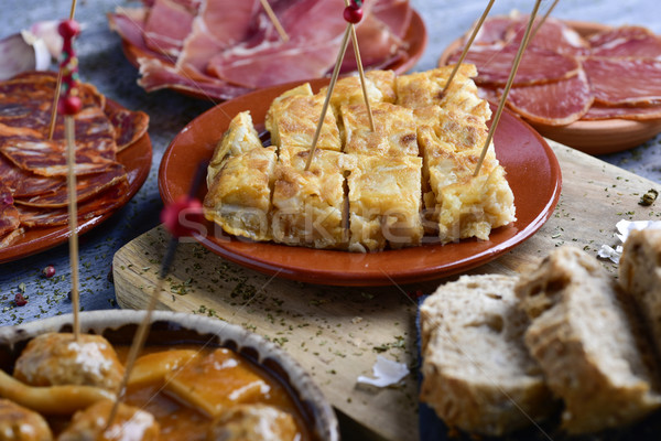 Assortiment espagnol froid tapas plaques Photo stock © nito