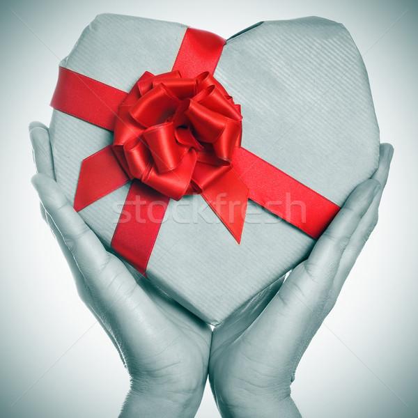 Geschenk man handen zwart wit Stockfoto © nito