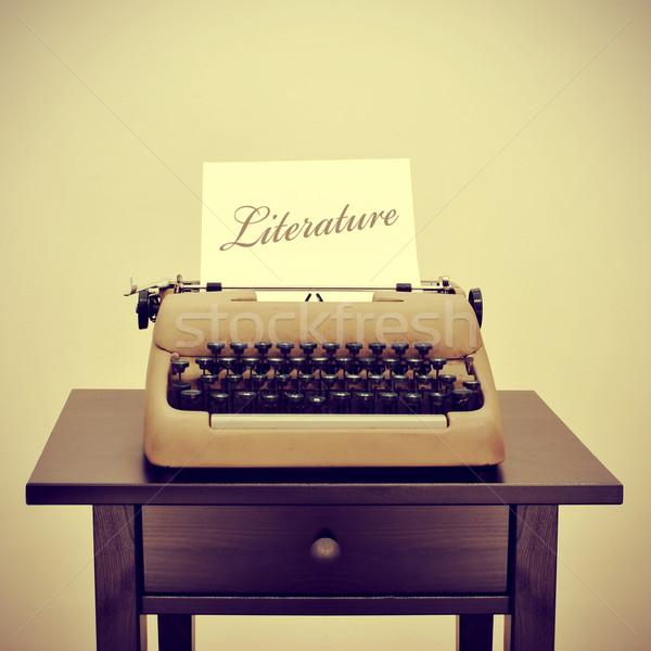 Literatura velho máquina de escrever página palavra escrito Foto stock © nito