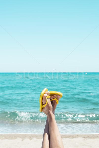 Man ondersteboven strand benen Stockfoto © nito