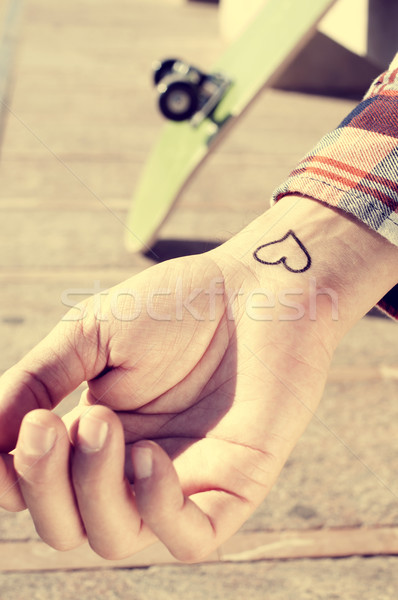 Jonge man hart pols buitenshuis hand Stockfoto © nito
