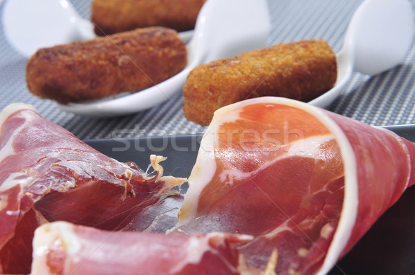 Spaans serrano ham platen geserveerd Stockfoto © nito