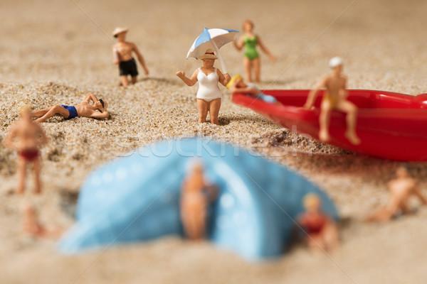 Miniatuur mensen zwempak strand verschillend Stockfoto © nito
