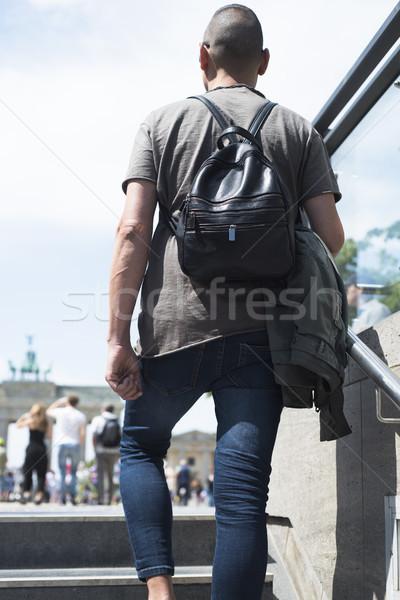 ストックフォト: 若い男 · ブランデンブルグ門 · クローズアップ · 小さな · 白人 · 男