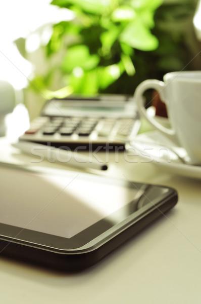 Detay ev ofis büro tablet hesap makinesi fincan Stok fotoğraf © nito
