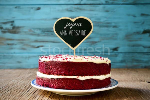 Stockfoto: Tekst · gelukkige · verjaardag · frans · Rood · fluwelen · cake