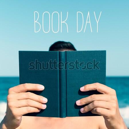 Stock foto: Mann · Lesung · Buch · Strand · jungen