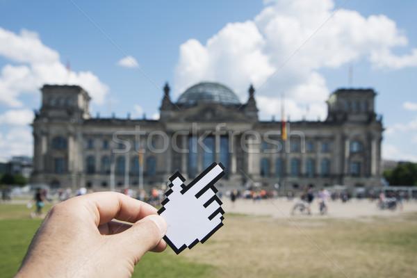 Férfi mutat Berlin Németország közelkép kéz Stock fotó © nito