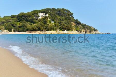 Praia ver cidade oceano areia estilo de vida Foto stock © nito