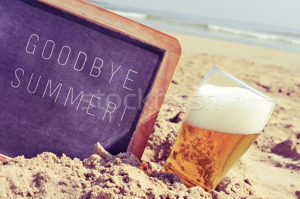 Tekst vaarwel zomer schoolbord glas bier Stockfoto © nito
