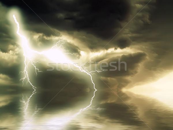 Onweersbui bliksem zee wolken regen donkere Stockfoto © njaj