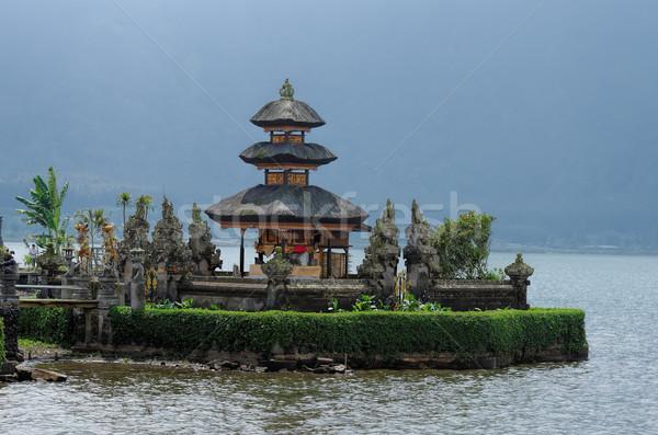 Tempio acqua montagna lago pregare dio Foto d'archivio © njaj