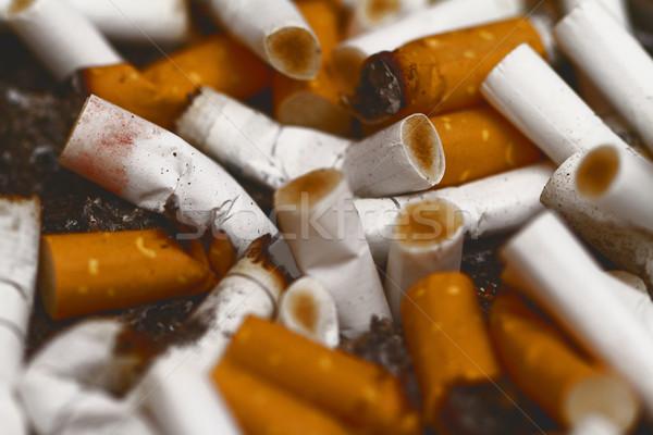 Cigaretta rossz függőség hamutartó közelkép dohányzás Stock fotó © Nneirda