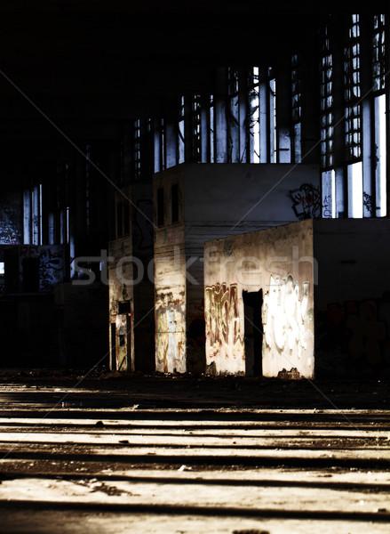 Arquitectura antigua destrucción edificio pared oscuro arquitectura Foto stock © Nneirda