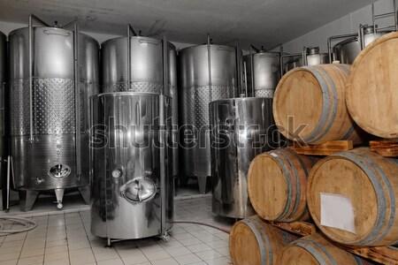 Vinícola fábrica foto moderno alumínio vinho Foto stock © Nneirda