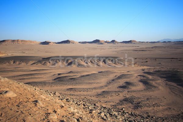 Sivatag Egyiptom terméketlen western égbolt nap Stock fotó © Nneirda