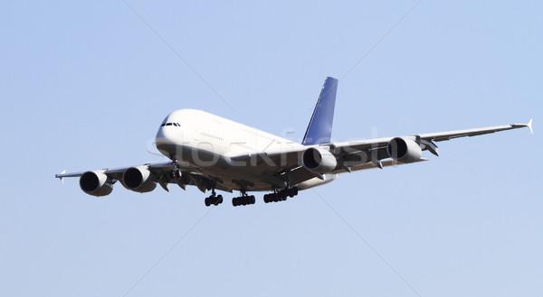 Moderno avião isolado blue sky céu avião Foto stock © Nneirda