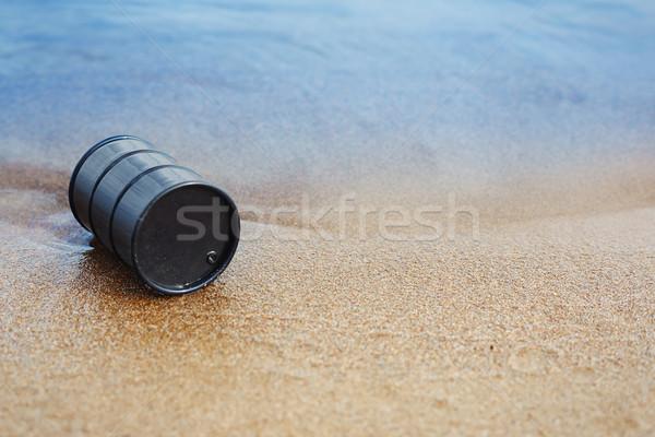 Olio barile abbandonato mare costa industriali Foto d'archivio © Novic