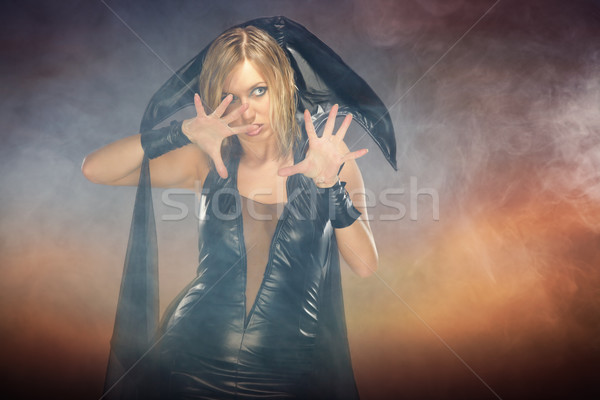 Sorcière colère femme costume coloré smoky Photo stock © Novic
