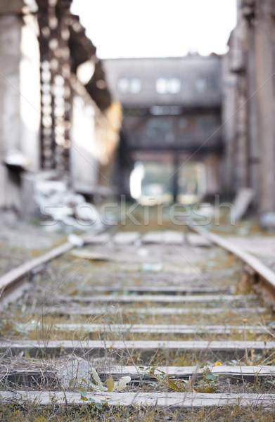 Foto stock: Abandonado · ferrovia · velho · industrial · fábrica · construção