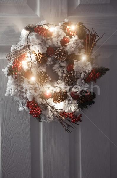 Crăciun coroana lumina alb usa din fata iarnă Imagine de stoc © Novic