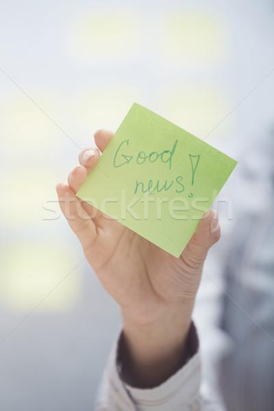 Una buena noticia texto adhesivo nota mujer Foto stock © Novic