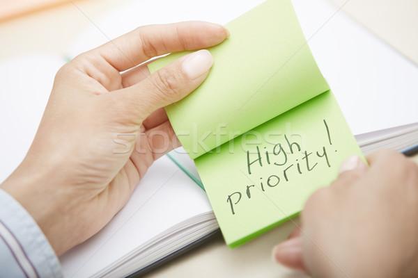 Wysoki priorytet ręce przyczepny Zdjęcia stock © Novic