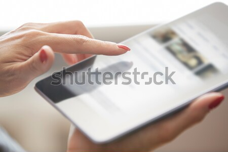 Nő táblagép kezek digitális tabletta kéz Stock fotó © Novic