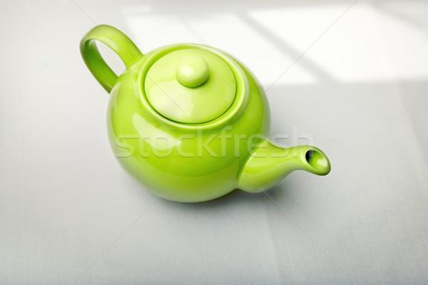 Groene theepot tabel schaduw keuken lifestyle Stockfoto © Novic