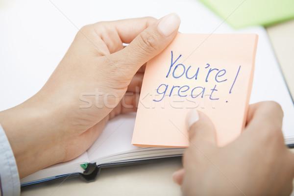 Pozitív szöveg tapadó jegyzet kezek tart Stock fotó © Novic