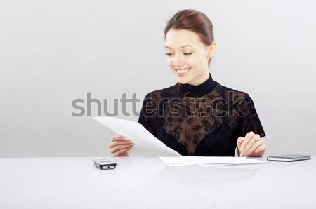 чтение Документы деловая женщина сидят таблице документы Сток-фото © Novic