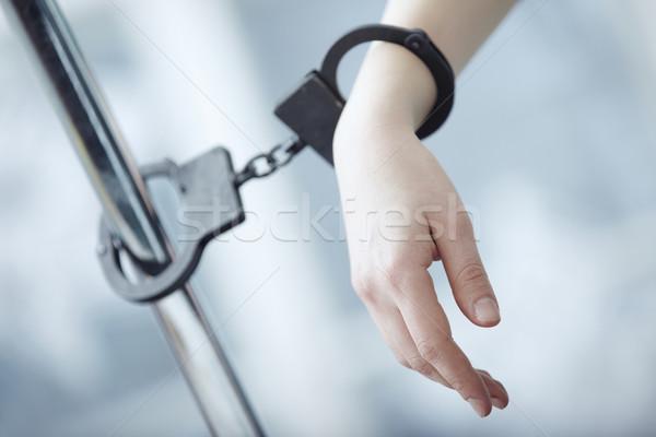 Letartóztatás emberi kéz fém pólus kezek szabadság Stock fotó © Novic