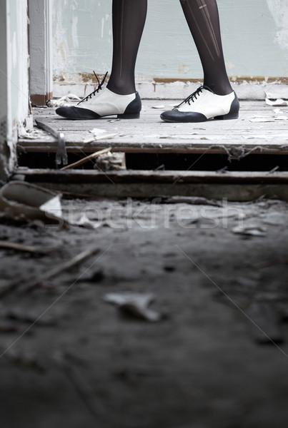 ног человека обувь Постоянный грязные Сток-фото © Novic
