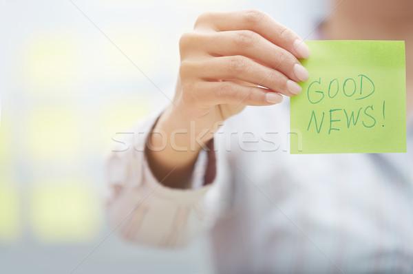 Bonnes nouvelles texte adhésif note femme Photo stock © Novic