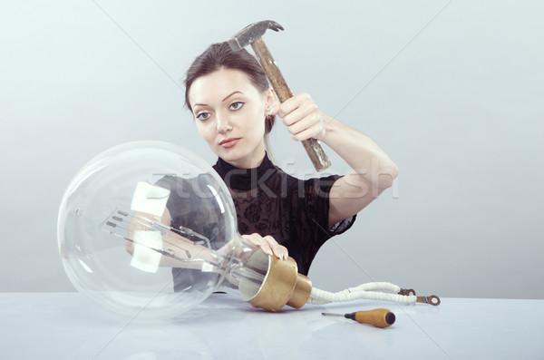 Elektrische onderhoud jonge vrouwelijke reusachtig lamp Stockfoto © Novic