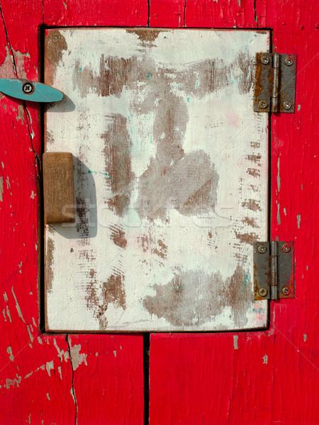 Vecchio bianco legno dell'otturatore rosso legno Foto d'archivio © nuttakit
