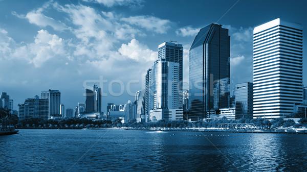 Azul perspectiva geral edifício blue sky brilhante Foto stock © nuttakit