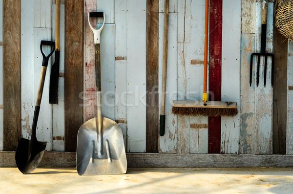Stockfoto: Tuinieren · tool · Blauw · oude · muur · oud · hout