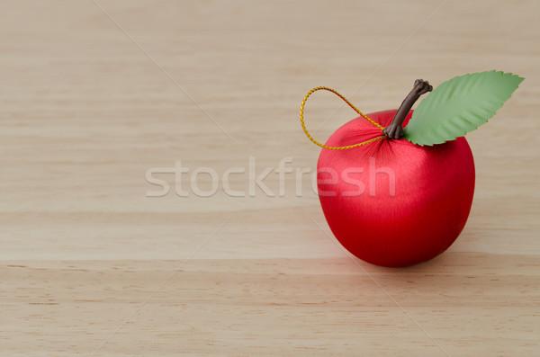 Sahte kırmızı kiraz ahşap yeşil yaprak ahşap masa Stok fotoğraf © nuttakit