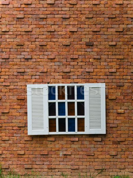 Sahte beyaz pencere tuğla duvar açmak ahşap Stok fotoğraf © nuttakit