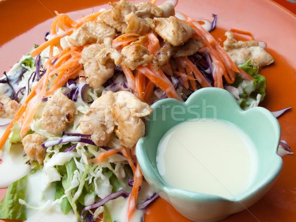 Tavuk salatası plaka salata sosu yaprak restoran yeşil Stok fotoğraf © nuttakit