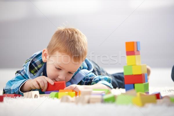 Jahr alten Junge verloren cute Verlegung Stock foto © nyul