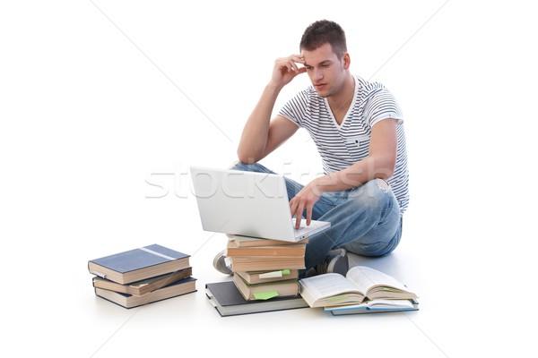 Stockfoto: Vergadering · boeken · met · behulp · van · laptop · studeren · computer