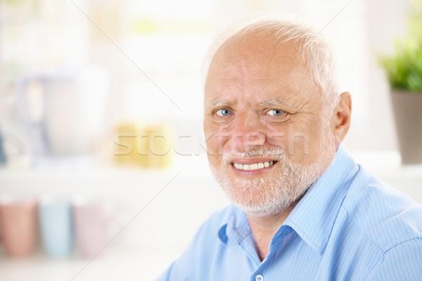 Portret vrolijk gepensioneerde glimlachend camera Stockfoto © nyul