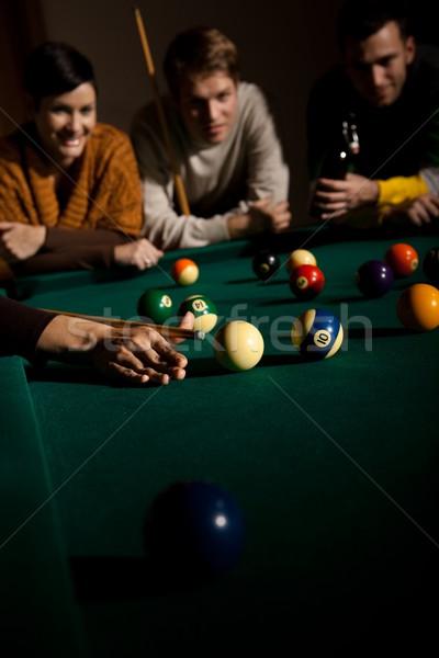 Barátok játszik snooker női kéz fókusz Stock fotó © nyul