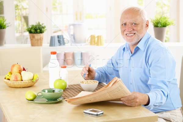 Foto stock: Retrato · saudável · senior · café · da · manhã · sessão · cozinha